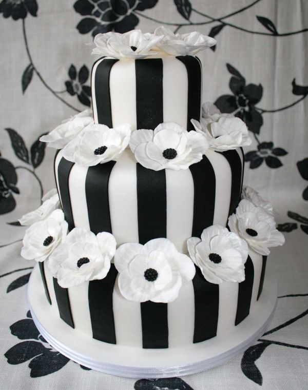 Poppy Wedding Cake