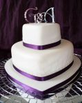 WeddingCake2TierHeartPurple