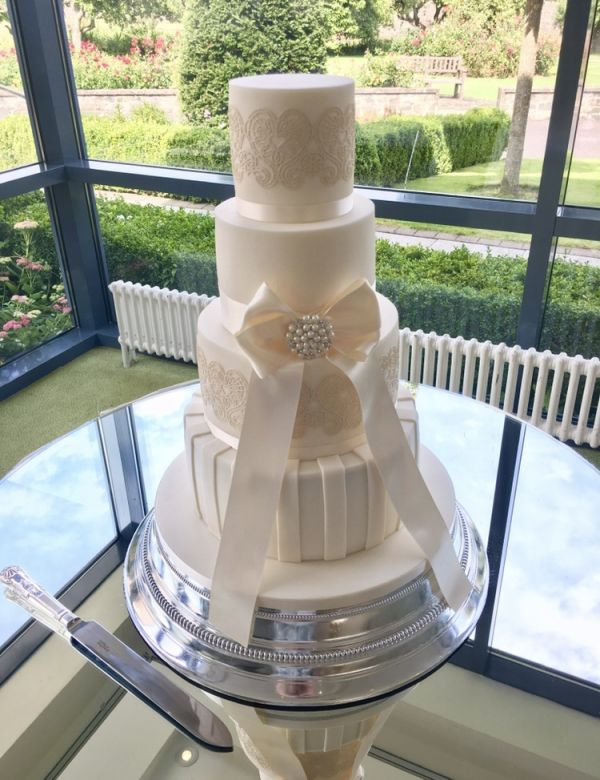 Large Bow Wedding Cake