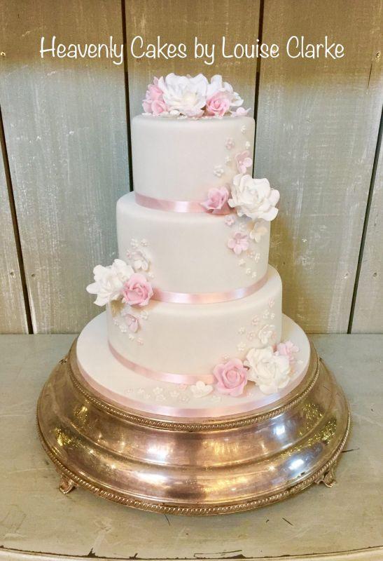 Sugar Roses Cake