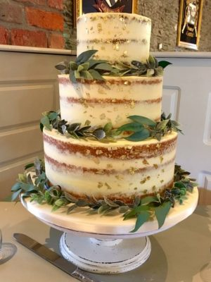 Garland Wedding Cake